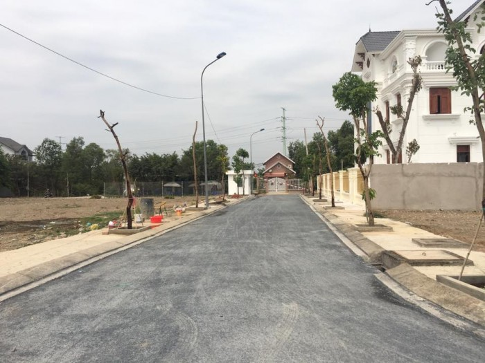 Đất nền mặt tiền Nguyễn Duy Trinh, Q9, ngay cạnh khu biệt thự Dầu Khí