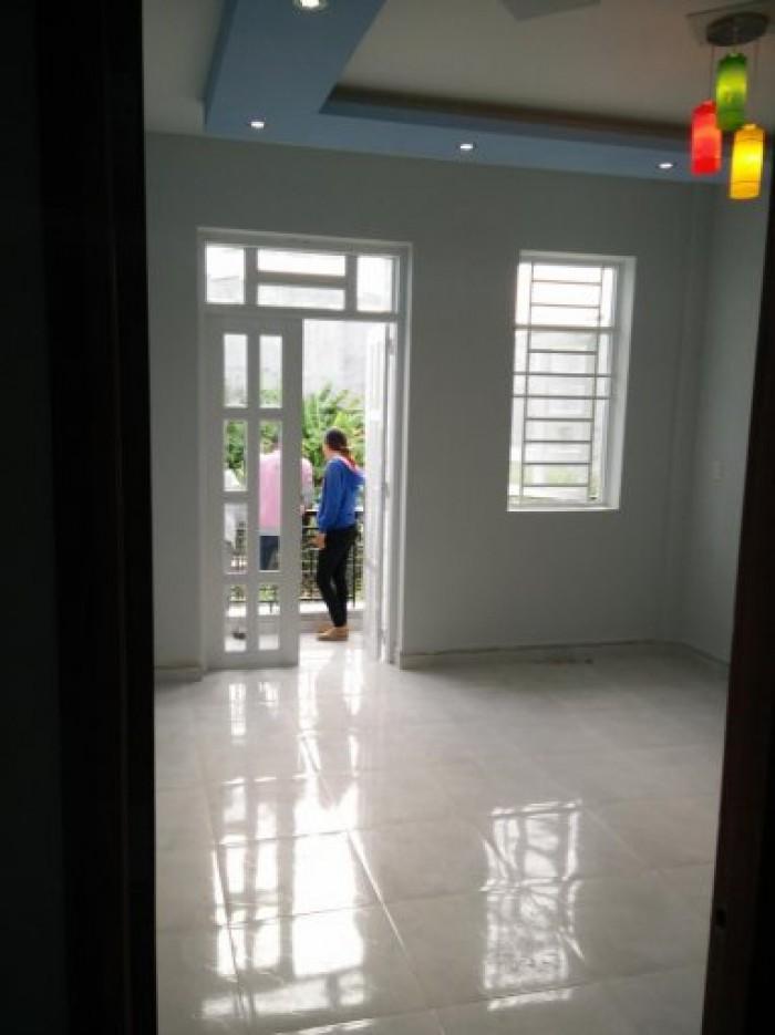 Bán nhà riêng 3 tầng, DT 4m x 17m, 4PN, giá 2.4 tỷ, hẻm 1806 Huỳnh Tấn Phát, xe hơi vào tận nơi