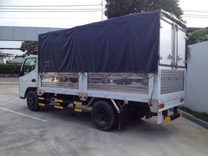 Xe tải Fuso 1.9 tấn/1T9 trả góp giá rẻ, giá xe tải Fuso Canter 1.9 tấn/1 tấn 9 thù...