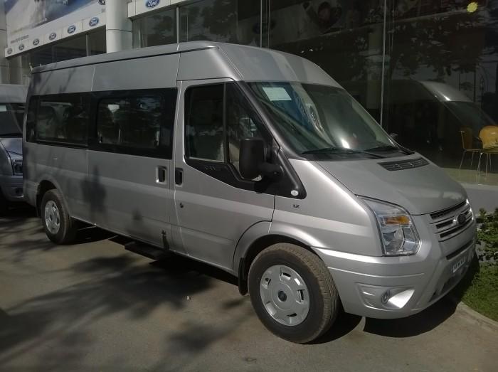Ford Transit Luxury 2.4L MT ưu đãi khủng chương trinh của đại lý