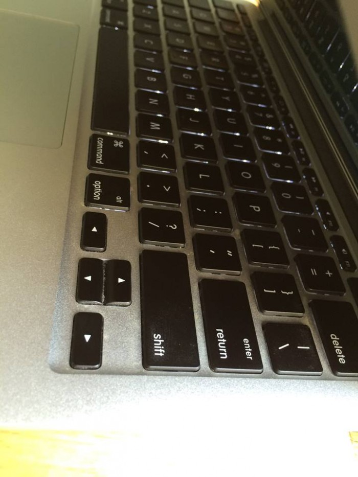 Laptop Macbook air 2014 MD711 max option 11.6in, like new, giá rẻ