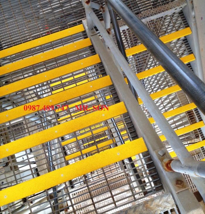 bậc thang chống trượt trên giàn khoan3