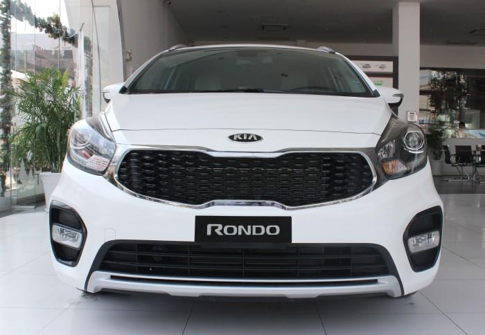 Kia Rondo sản xuất năm 2017 Số tay (số sàn) Động cơ Xăng