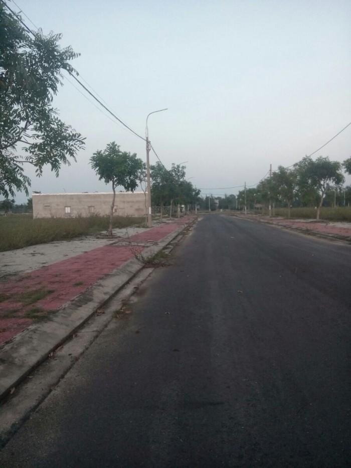 Chính chủ Bán đất gần Sông Cổ Cò, gần trường, Giá bán:3,9 triệu/m2