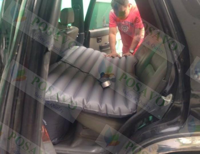 Posavo tiếp tục lắp đặt nệm hơi ô tô dù oxford màu ghi xám xe toyota runner cho anh thành quận tân phú
