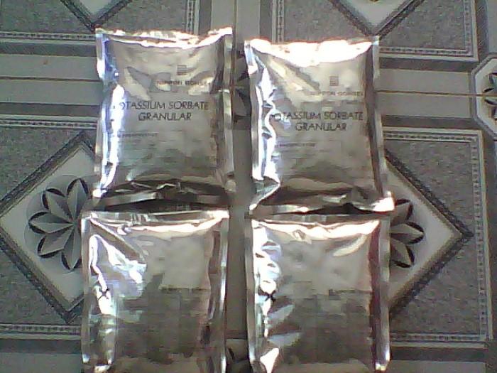 Nguyên liệu dùng trong  thú y,thủy sản:Sorbitol,Vitamin C,...0
