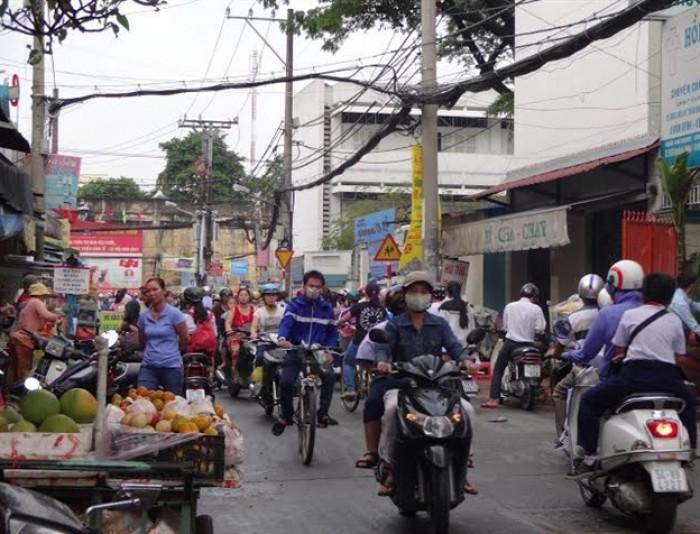 Nhà mặt tiền Nguyễn Du, Ngã tư chợ Gò Vấp,DT: 5x25, Giá bán 6,7 tỷ.