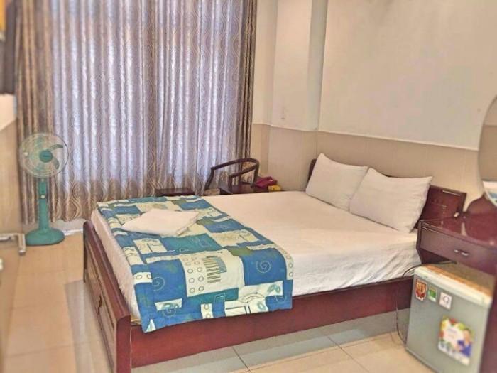 Khách sạn khu VIP quận 7, DT 6x20m, 5 lầu 20 phòng. Giá 14 tỷ.