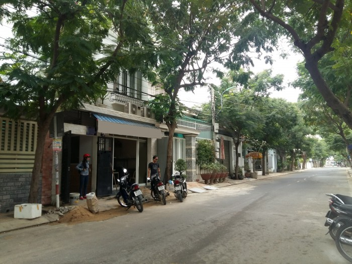 Bán gấp căn nhà mặt tiền kinh doanh đường Phó Đức Chính Vĩnh Hòa Nha Trang,