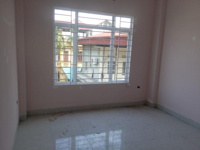 Cần bán gấp nhà xây mới 34m2*3tầng Ỷ La – Dương Nội,ô tô đỗ trước nhà,giá 1.35 tỷ