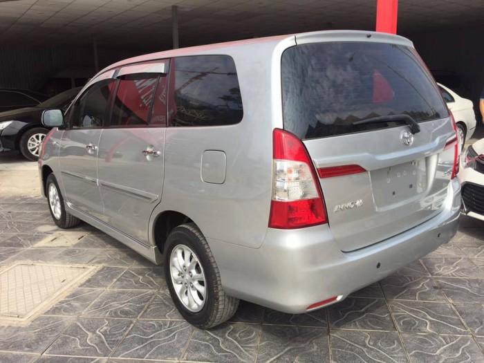 Toyota Innova số tự động, màu bạc, đời 2014