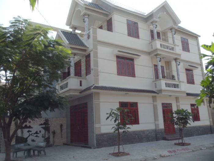 Bán gấp biệt thự 2MT đường Phạm Hùng Bình Chánh- chỉ 4,7 tỷ