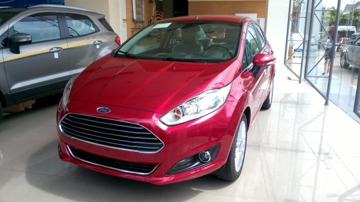 Bán Ford Fiesta Titatium 4D mầu đỏ giao ngay