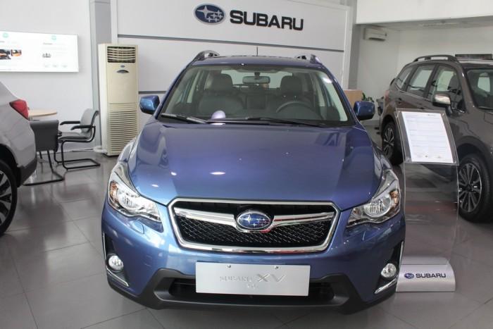 Xe Subaru XV 2017 dòng xe Hatchback 5 chỗ, máy xăng, số tự động, màu xanh