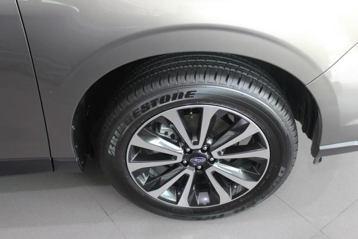 Đặt xe Subaru Sài Gòn máy xăng nhập khẩu. Giao sớm. Gọi ngay 0933 451 339 để đặt hàng mua Subaru Forester 2.0i-L màu xanh đặc biệt này