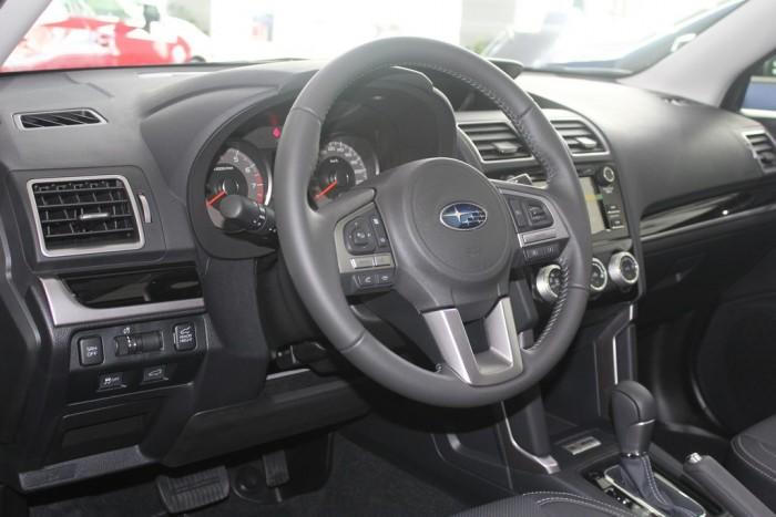 Xe Subaru Forester 2.0i-L dòng xe Suv 5 chỗ, máy xăng, số tự động, màu xanh