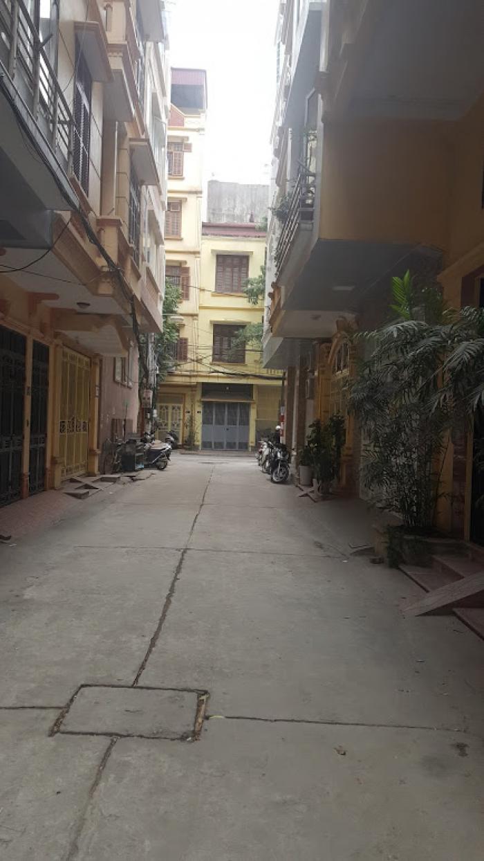 Bán nhà đường Phạm Tuấn Tài (45m2x9 tỷ)đường rộng oto vào nhà, yên tĩnh