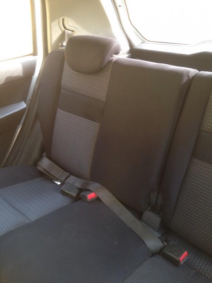 Gia đình cần bán xe huyndai Getz đời 2009, màu bạc, chính chủ, bản đủ. 2