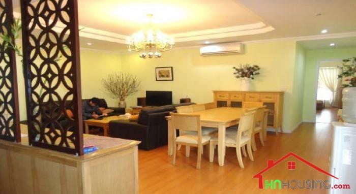 Thuê chung cư cao cấp tại Royal City khu vực đẹp