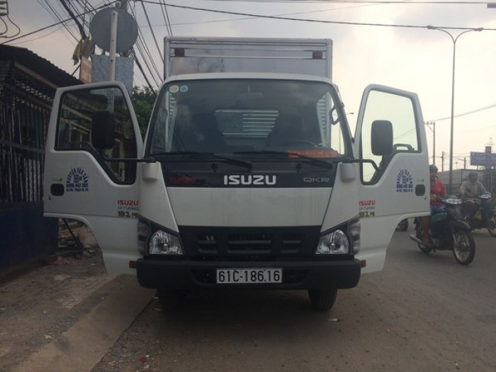 Xe tải isuzu 2t2 giao xe tận nhà bảo hành tận nơi