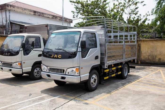 Xe tải Jac 2t4 hạ tải vào TP