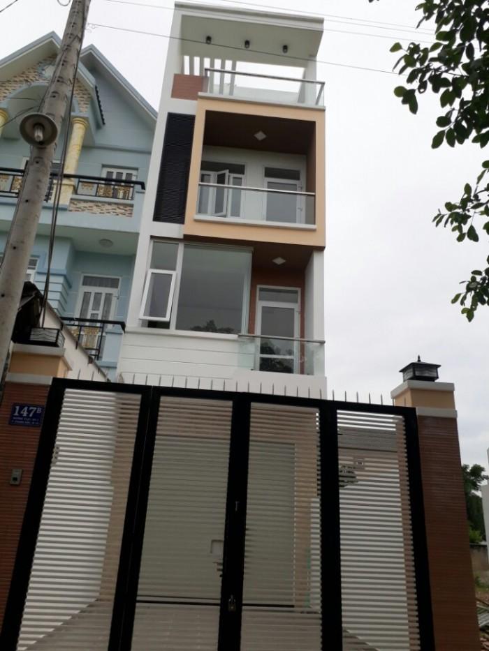 nhà mặt tiền đường Thạnh Lộc 37 bê tông 10m