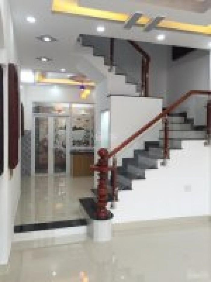 Bán nhà 2 lầu 4 phòng ngủ, DT 4,5mX 13m, Giá 2.3 tỷ, đường Huỳnh Tấn Phát, Thị trấn Nhà Bè