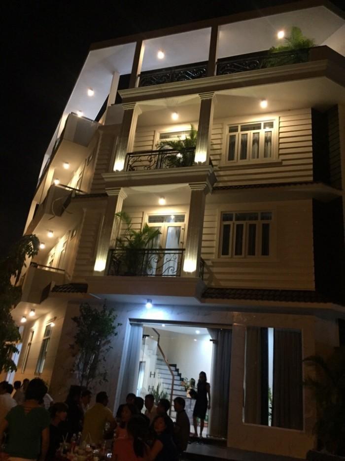 Bán biệt thự phố, lô gó 2 mặt tiền đường Lê Văn Lương, Nhà Bè, kinh doanh tốt, DT 7x18m, 3 tầng. Giá 7.5 tỷ