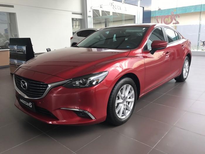 Vì Sao Nên Mua Mazda 6 2.0AT 2017?