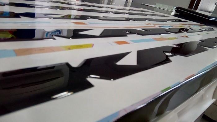 Sticker epoxy, logo đổ keo nổi