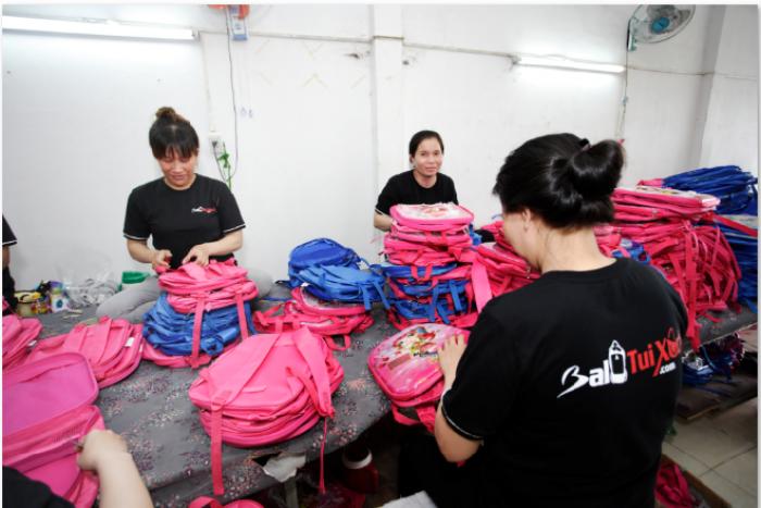 Balo Túi Xách - Công ty may gia công cặp xách giá rẻ tại TPHCM với nhiều xưởng may gia công tại các tỉnh, đáp ứng nhu cầu may số lượng lớn cặp xách, may đơn hàng cặp xách nhanh