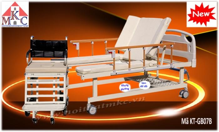 Giường bệnh điều khiển bằng cơ tay kết hợp xe lăn mã KT-GB07B