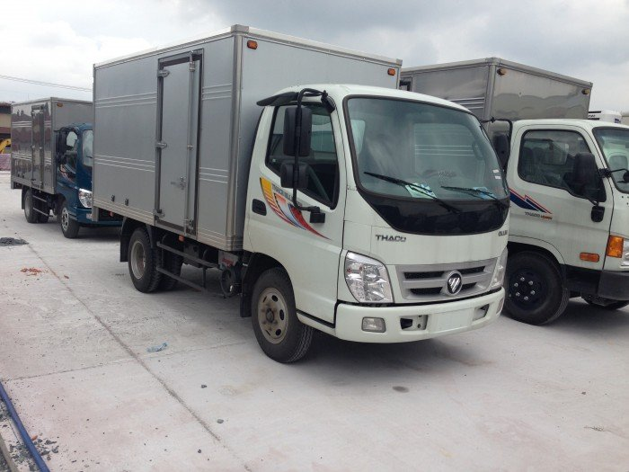 Xe Tải Thaco Máy Công Nghệ Isuzu Tải Trọng 2400Kg Chạy Trong Thành Phố