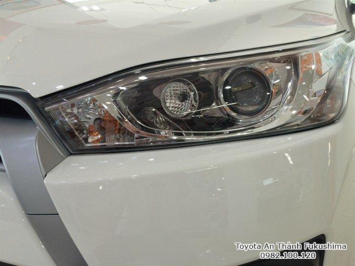 Khuyến Mãi Toyota Yaris 1.5 2017 màu trắng nhập khẩu Mua Trả Góp chỉ cần 200Tr. Xe Giao Ngay
