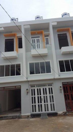 Bán nhà  đường lê văn lương. 3 tầng, 3 pn, 2wc. 795tr/80m2. Sổ hồng