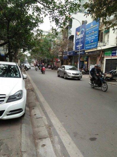 Bán nhà mặt phố Nguyễn Khuyến, Lô góc DT 45m x 4 tầng, MT 5.3m, 14.2 tỷ