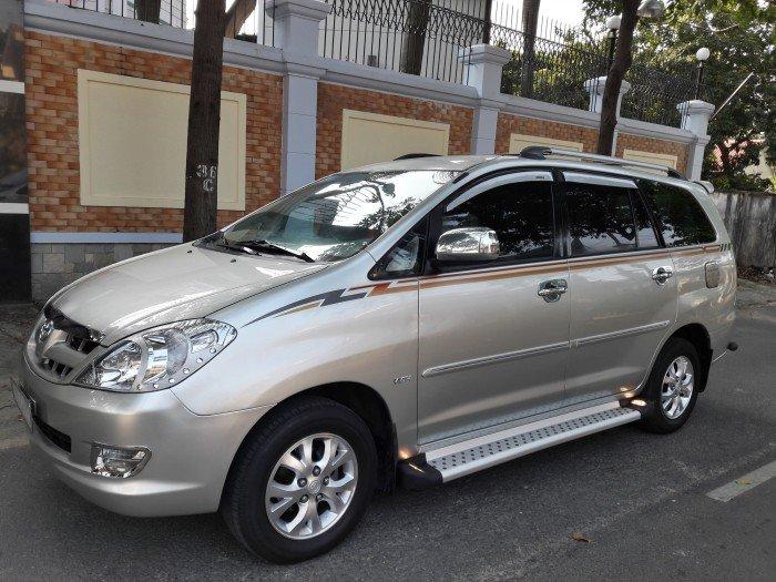 Toyota Innova G màu bạc số tay 1 đời chủ