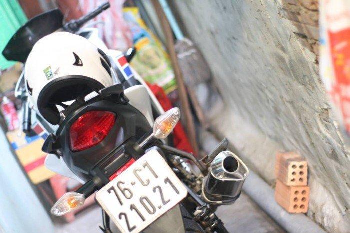 Bán CBR150 fi màu trắng date 2012 odo 9k