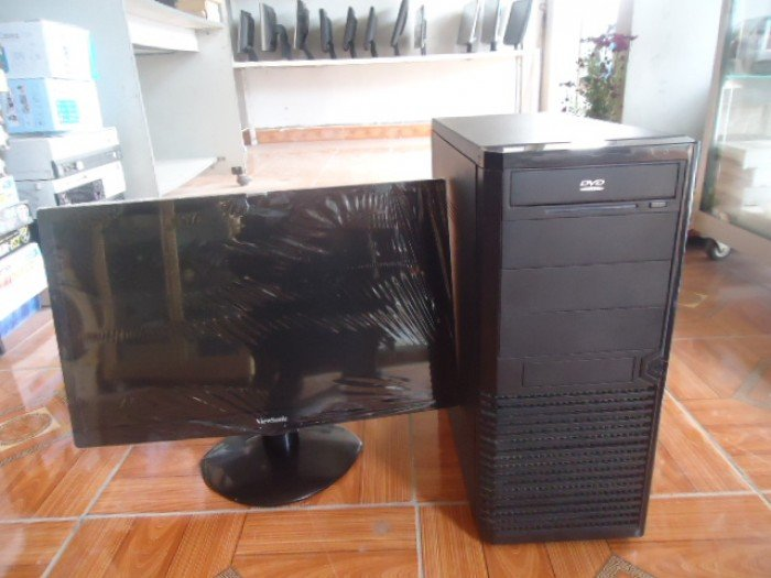 Bộ máy tính bàn G41 card rời khủng và màn hình 20,5in đèn led đẹp như mới giá rẻ0
