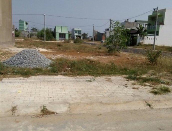 Đất ngay chợ hiện hữu, mặt tiền đường lớn, sổ đỏ, bình chánh, 100m2