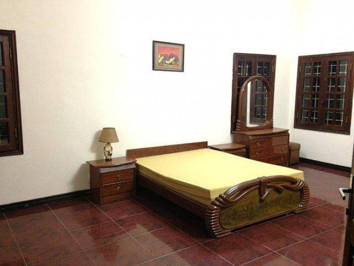 Nhà riêng mặt ngõ thái thịnh,DT80m2x3T.Nhà thiết kế toàn sàn gỗ