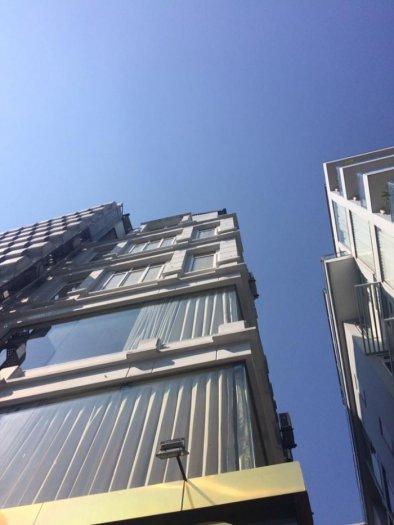 Bán tòa nhà mặt phố Trần Khát Chân diện tích 85m2 x 6 tầng, mặt tiền 5m.