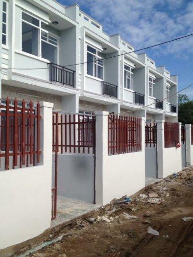 Nhà mới xây chính chủ DT 4 x 12m 1 trệt 1 lầu SHR_ QL50 ngã 3 Tân Kim