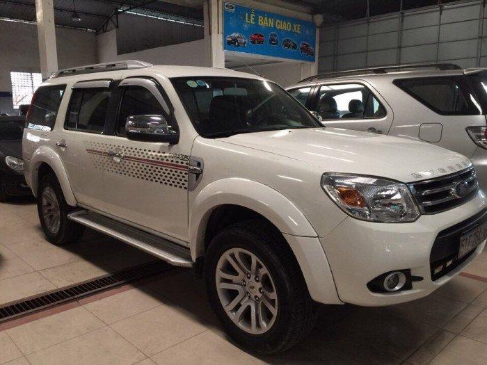 Ford Everest 2015 số sàn màu trắng 0