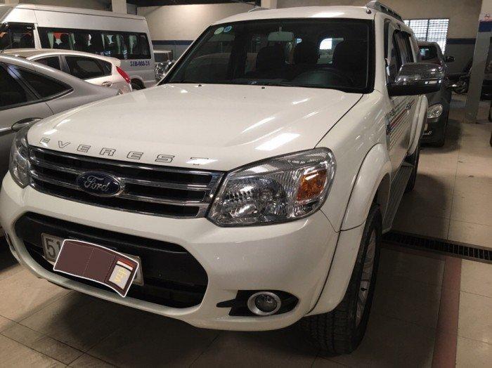 Ford Everest 2015 số sàn màu trắng 1