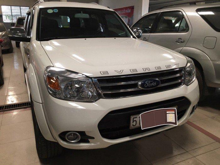 Ford Everest 2015 số sàn màu trắng 3