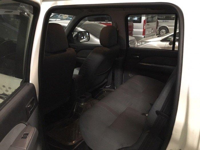 Ford Everest 2015 số sàn màu trắng 6