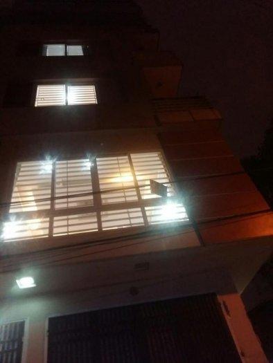 Bán nhà Quan Hoa, Cầu Giấy: ngõ oto, nhà mới: 50 m2, 5T, m 5.2 m.