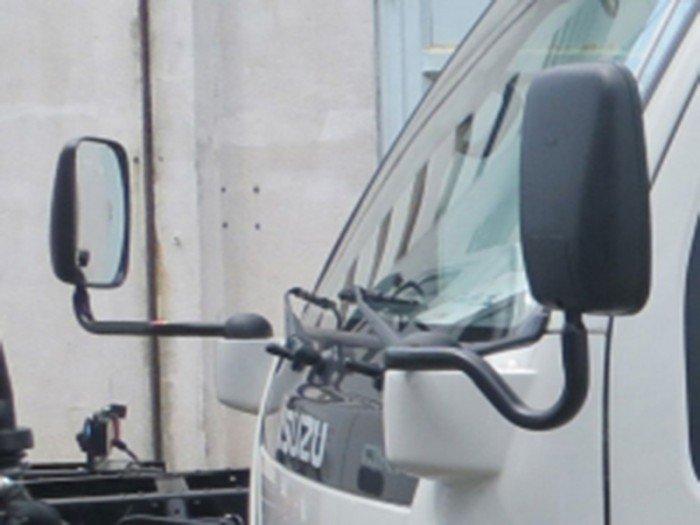 Isuzu QKR55F nâng tải 1T65, Dòng xe mới ra, xe vào được thành phố