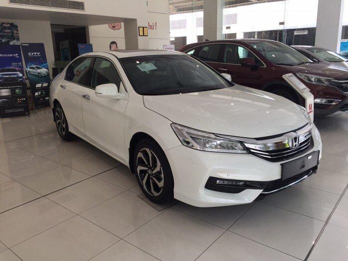Honda accord 2.4s at màu trắng 2016 khuyến mãi khủng